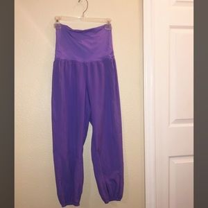 LULULEMON puffy loose fitting cinch pants